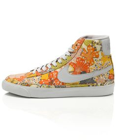 I could really do with these Mauvey Print Blazer Mid Premium Shoes from the Liberty Nike Autumn Collection.  An Autumn wardrobe essential I'd say....