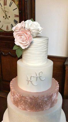 Los mejores pasteles de boda. Tendencias pastel de boda. Las mejores ideas de pastel de bodas. Conoce todo de las tortas para matrimonio, tortas de bodas. Cake, Desserts, Ideas, Food, Best Wedding Cakes, Sugar Flowers, Cake Designs, Invitations, Tailgate Desserts