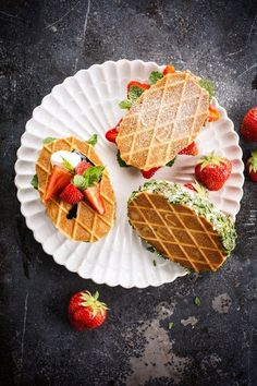 Mini Desserts, Easy Chocolate Desserts, Easy Desserts, Strawberry Cheesecake No Bake, Sugar Free Cheesecake, Dessert Simple, Thermomix Desserts, Good Food, Yummy Food