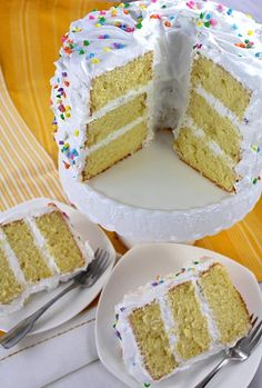 Delicious, light and fluffy lemon chiffon cake filled and frosted with meringue frosting Cake Icing, Cupcake Cakes, Bundt Cakes, Layer Cakes, Cupcakes, Frosting Recipes, Cake Recipes, Lemon Chiffon Cake, Meringue Frosting