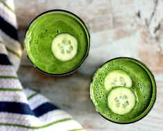 Try modelFIT's green juice that all the models are drinking at NYFW - and the full-body exercise to go with it! #modelFIT #NYFW #greenjuice