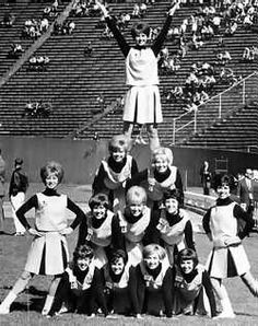 I'm not too familiar with cheerleaders so I thought this would be an amusing post. Old Yearbooks, Cheerleading Pictures, Hot Cheerleaders, School Logo, Historical Images, The Good Old Days, Back In The Day, High Quality Images, Bing Images