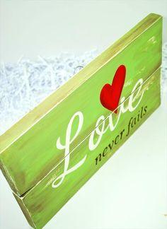 DIY Pallet Love Sign Board | 101 Pallets