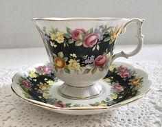 """Royal Albert Garland Series """"Fascination"""" China Tea Cup and Saucer Teacup Set Happy Tea, Vintage China, Vintage Teacups, Teapots And Cups, China Tea Cups, Rose Tea, My Cup Of Tea, Tea Service, Royal Albert"""