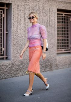 Xenia Adonts wearing sheer pink blouse and pencil skirt, Chanel bag seen outside Acne Studios during Paris Fashion Week Haute Couture on July 2018 in Paris, France. Best Street Style, Autumn Street Style, Cool Street Fashion, Street Style Looks, Chic Outfits, Summer Outfits, Fashion Week 2018, Fashion Weeks, Dress Cuts