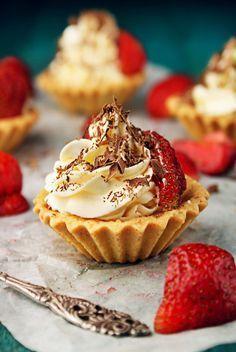 Oatmeal and date cookies - HQ Recipes Mini Cakes, Cupcake Cakes, No Bake Desserts, Dessert Recipes, Chocolate, Polish Recipes, Dessert Bread, Dessert Drinks, Pumpkin Cheesecake
