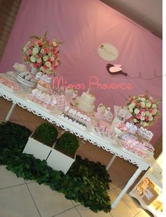 Neste evento , exploramos as flores , o tecido e Mta , mas mta porcelana! Créditos: Ambientação , projeto e execução ? Mimos Provence. Personalizados , decoração ambiente e iluminação Mimos Provence.