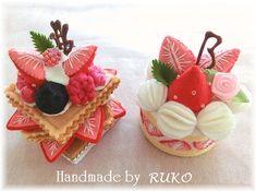 phenomenal felt desserts by RUKO Felt Crafts Diy, Felt Diy, Crafts To Make, Felt Cake, Felt Play Food, Pretend Food, Party Sweets, Food Patterns, Idee Diy