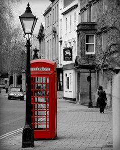 Oxford-London, love the telephone booth! Oxford London, Oxford Street, Personalized Couple Gifts, Telephone Booth, Pub Signs, Villas, London Calling, London England, Oxford England