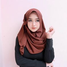 Cara Hijab, Ootd Hijab, Hijab Chic, Hijab Outfit, Tutorial Hijab Wisuda, Hijab Tutorial, Muslim Girls, Muslim Women, Reptiles
