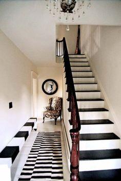 Love this black & white hallway and house design home design interior Black And White Hallway, Black White, Striped Hallway, White Rug, Black Tops, Interior Exterior, Interior Design, Small Hallways, Amber Interiors