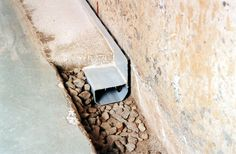 WATERGUARD - Notre système de drainage breveté et éprouvé, pour un sous-sol sec et sain. Our patented, proven drainage system for a drier, healthier basement.