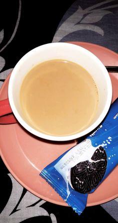 Coffee Shake, Coffee Drinks, Snap Food, Food Snapchat, Coffee Instagram, Coffee Creamer, Aesthetic Food, Coffee Quotes, Food Cravings