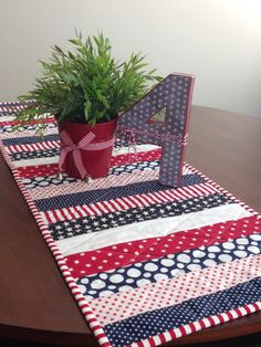 Stars & Stripes, Patriotic Table runner, Flag Day, Fourth of July, Veterans Day, Memorial Day
