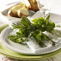 Decoration in Italian  Aromatic herbs are the best decoration for a Mediterranean evening. The napkin ring sage, Pertesilie, rosemary, thyme and mint together holding fork and knife...