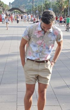 Summer lovin'File under: Florals, Prints, Woven, Shorts | メンズファッションスナップ フリーク | 着こなしNo:51472