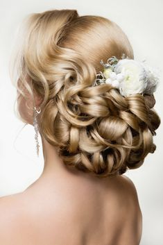 Unique Wedding Hairstyle Collection. Still Exploring For The Wonderful Hair Style For Your Wedding Ceremony? Get Inspired By All Elegant Styles Which Will Leave All Of The Young Woman Tressed To Impress !
