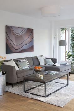 Ob Mode oder Interior: In punkto Design beweisen die Italiener Weltklasse. Das Geheimnis ihres zeitlos-edlen Einrichtungsstils: gerade Linien, erlesene Stoffe sowie coole Chrom-Akzente