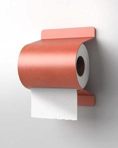 Toilette Design, Design Simples, Toilet Roll Holder, Inside Design, Home And Deco, Sheet Metal, Bathroom Inspiration, Toilet Paper, Furniture Design