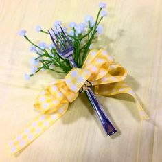 Present your lunch ladies with this sweet corsage for Cafeteria Appreciation Week. You'll only need a few flowers, a plastic fork, some ribbon, and a safety pin. School Staff, School Lunch, School Days, Teacher Christmas Gifts, Teacher Gifts, Morale Boosters, Teacher Treats, Love Is An Action, Teacher Librarian