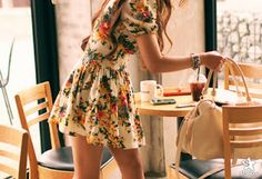Perfect dress outfit. #fashion #dress #floral #lovely