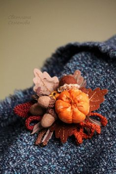 Pumpkin and Autumn broach Fabric Flower Pins, Fabric Flower Brooch, Fabric Ribbon, Felt Fabric, Brooch Corsage, Felt Brooch, Textile Jewelry, Fabric Jewelry, Brooches Handmade