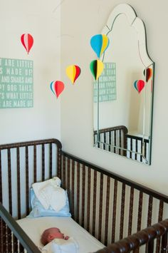 hot air balloon mobile // nursery inspiration