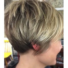 """How to style the Pixie cut? Despite what we think of short cuts , it is possible to play with his hair and to style his Pixie cut as he pleases. For a hairstyle with a """"so chic"""" and pointed… Continue Reading → Cute Hairstyles For Short Hair, Pixie Hairstyles, Short Hair Cuts, Short Hair Styles, Short Stacked Bob Haircuts, Short Wedge Hairstyles, Teenage Hairstyles, Pixie Haircuts, Pixie Cuts"""