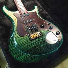 Knaggs Guitars Severn T2 Trem SSS Single Purf in Forest Green/Faded Green