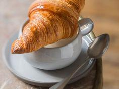 Découvrez la recette Croissant au beurre à la machine à pain sur cuisineactuelle.fr.