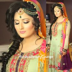 """Traditional"""" and """"Classic"""" Mehndi Makeup!"""