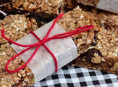 Easy Recipes on Healthy Bars, Healthy Cookies, Healthy Sweets, Healthy Baking, Raw Food Recipes, Snack Recipes, Healthy Recipes, Easy Recipes, Muesli Bars