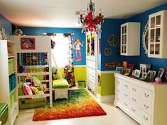 Looking for room decorating ideas for girls? Create a unique girl's bedroom with a Mod, 1960's vibe with these cool room decorating ideas.