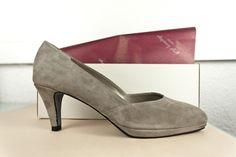 #Zapatos en #ante #gris con #plataforma #platform #shoes #grey #suede #moda #fashion #madeinspain www.jorgelarranaga.com