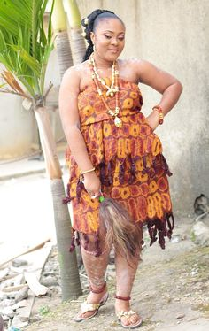 African Fashion Dresses, African Dress, Shirt Patterns For Women, Kente Styles, African Culture, African Women, Beautiful Black Women, Traditional Wedding, Fashion Show