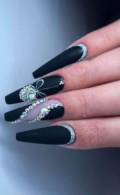 Here are some cute winter nail designs between black and silver glitter nails, black and gold glitter nails, and black marble nails designs. Black Marble Nails, Black Nails With Glitter, Black Coffin Nails, Matte Black Nails, Matte Gel, Rhinestone Nails, Bling Nails, Rhinestone Nail Designs, Nails Kylie Jenner