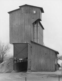 Hochöfen, Wasser und Fördertürme: Mit Fotografien von Industriebauten wurde…