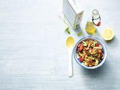 Marokkosalat mit Hähnchen (Foto: Gräfe und Unzer Verlag/ Fotografin Coco Lang)