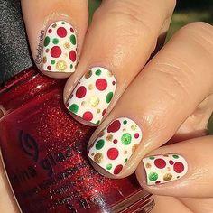 29 Festive Christmas Nail Art Ideas - Nail it - Xmas Nails, Holiday Nails, Halloween Nails, Christmas Nails, Fun Nails, White Christmas, Christmas Gifts, Christmas Glitter, Christmas Ideas