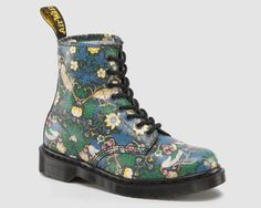 Doc Martens x liberty of london.. I want a vegan version of this :)