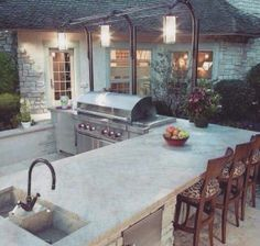 Love this backyard kitchen. .. maybe if I won the lottery