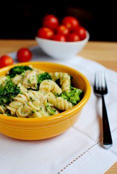 Skinny Chicken & Broccoli Alfredo, alfredo sauce made with chicken broth and greek yogurt.. no heavy cream.