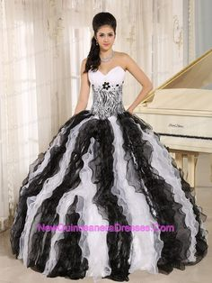 White and Black Ruffles Quinceanera Dress With Appliques Sweetheart For  Custom Made In Honolulu City Hawaii Fashion 919b07d7ae87