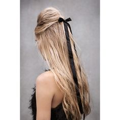 Fuck yeah, runway hair! ❤ liked on Polyvore featuring beauty products, haircare, hair styling tools, hair, hair styles, hairstyles and people