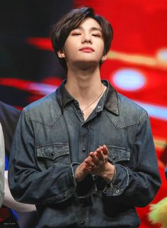 Check out Stray Kids @ Iomoio Lee Min Ho, Talking To The Moon, Rapper, Drama Queens, Jolie Photo, Lee Know, My Prince, Asian Boys, Kpop Boy