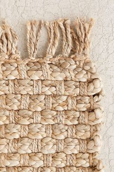 Layer with a Woven Natural Jute Rug