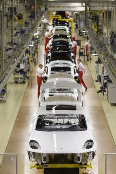 Porsche Kicks Off Macan Production At Revamped Leipzig Plant