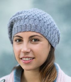 Patron gratuit pour tricoter un bonnet Bonnet Crochet, Crochet Beanie Hat, Beanie Hats, Knitted Hats, Knit Crochet, Marie Claire, Gifts For Photographers, Knit Picks, Simple Bags