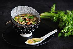 V kuchyni vždy otevřeno ...: Vietnamská kuřecí ( slepičí ) polévka Súp Gà Nấm Hương Tableware, Kitchen, Cooking, Dinnerware, Dishes, Home Kitchens, Kitchens, Place Settings, Cucina