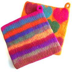 Colorful Felted Wool Potholders – Various Designs - Topflappen Sitricken Felted Wool Crafts, Felt Crafts, Nuno Felting, Needle Felting, Felt Purse, Recycled Sweaters, Felting Tutorials, Wool Applique, Felt Decorations
